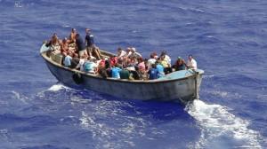Die Bewohner von Pitcairn in einem Boot