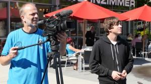 Kameramann Andreas Lehmann und Produktionsassistent Daniel Sikinger